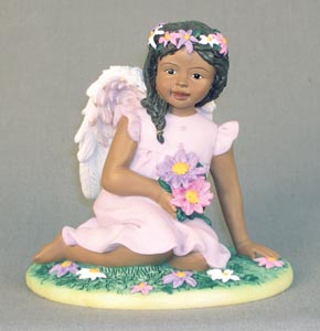 Angel with daisies in lavender 4.5H